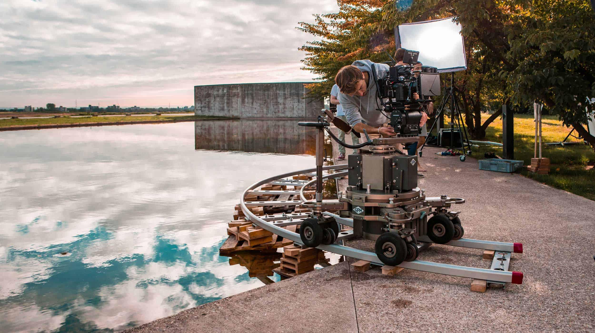 neiser filmproduktion Düsseldorf Ausbildung Mediengestalter Bild und ton Praktikum video produktion